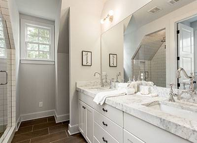 2_swann_ridge_bathroom