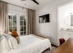 3_stone_cottage_room-1
